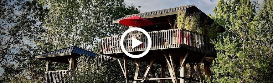 Cabane dans les arbres avec Jacuzzi Privatif